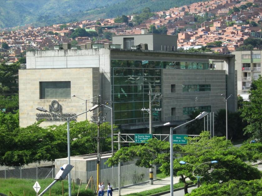 Camara_de_Comercio_de_Medellin-Sede_Bello